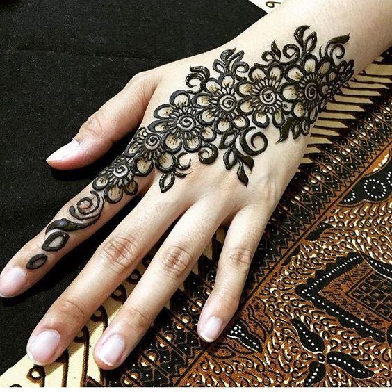 Stylish Unique Mehndi Designs: 30 Stylish And Modern Arabic Mehndi Designs To Inspire You