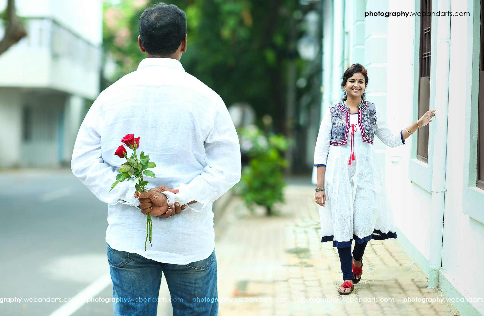 40. Its proposing time with roses