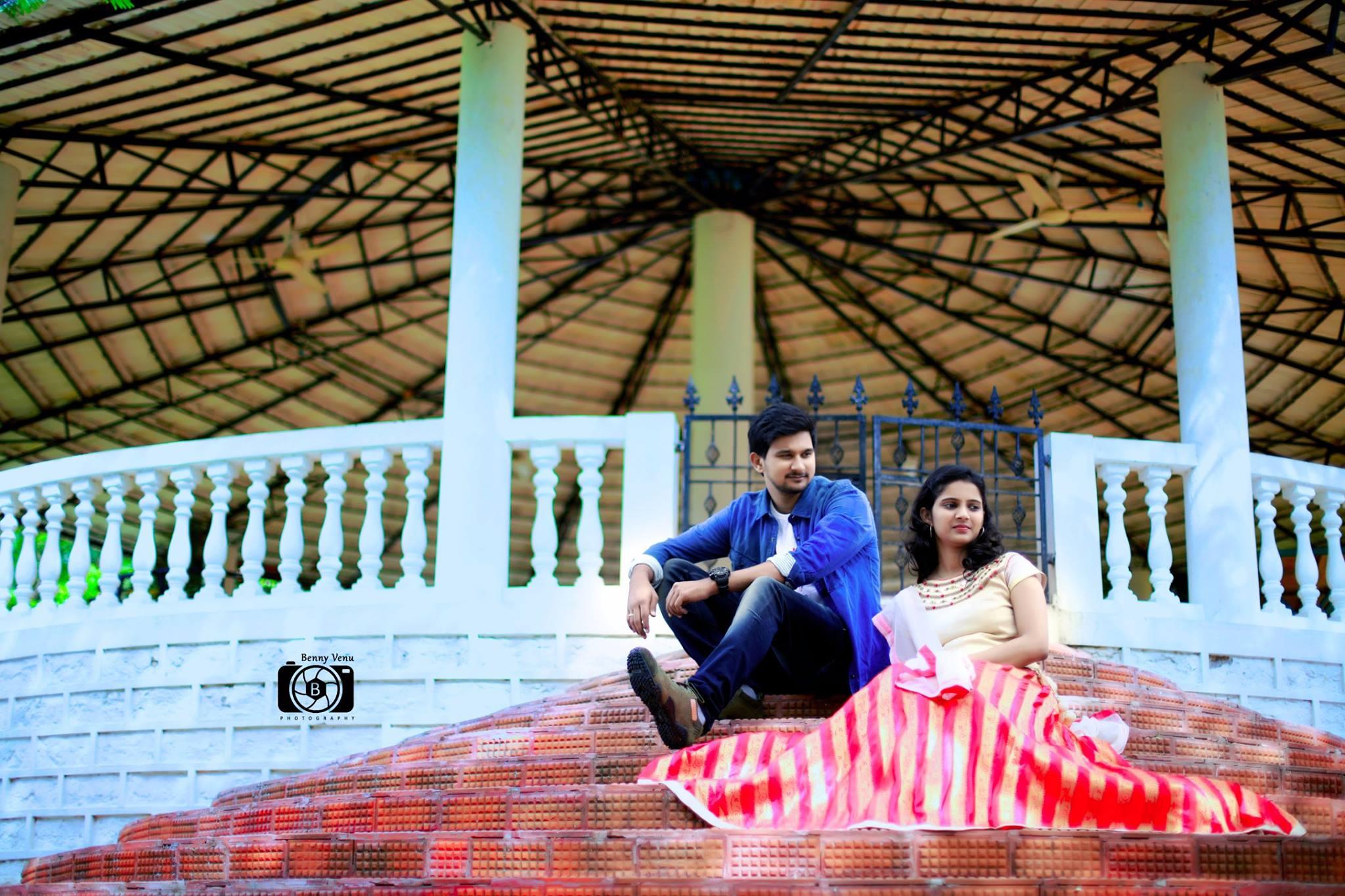Romantic scene in stairs
