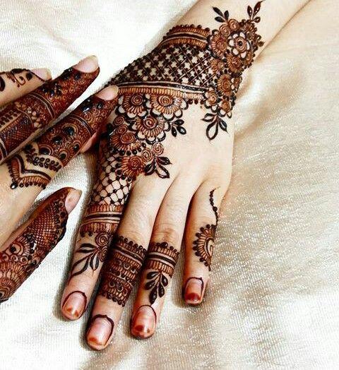 30 Stylish And Modern Arabic Mehndi Designs To Inspire You