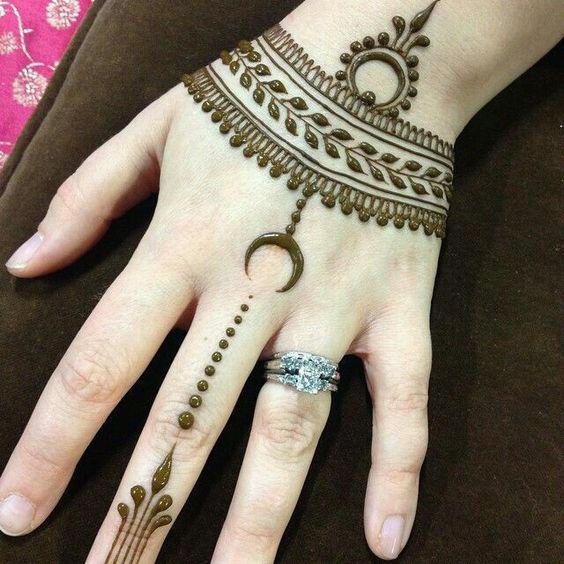 20 Elegant Modern Minimalist Henna Designs Wedandbeyond