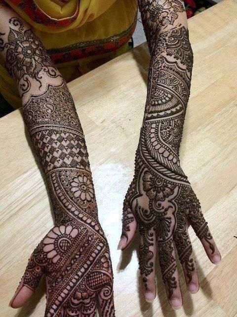 16. Checkers and big flowers front and back hand bridal mehndi