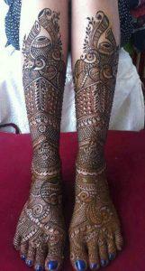 18.Peacock and Dots Bridal feet Mehndi