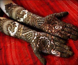 Curves and Dots full hand bridal mehndi