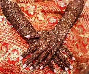 33. Traditional Bridal Bangle Mehndi