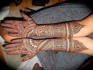 35.Simple Paisley Bridal Mehndi Design