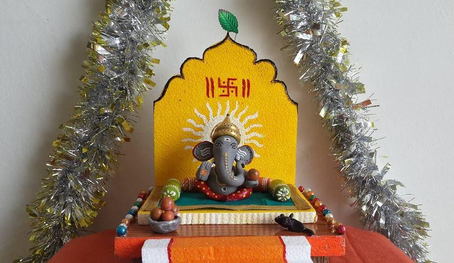 Simple Ganesha in handmade pettai