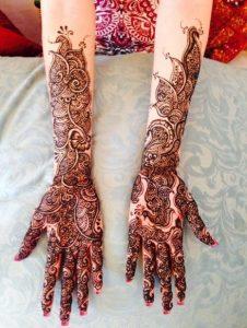42. Arabic Fusion Simple Bridal Mehndi