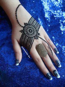 13. Dots back henna design