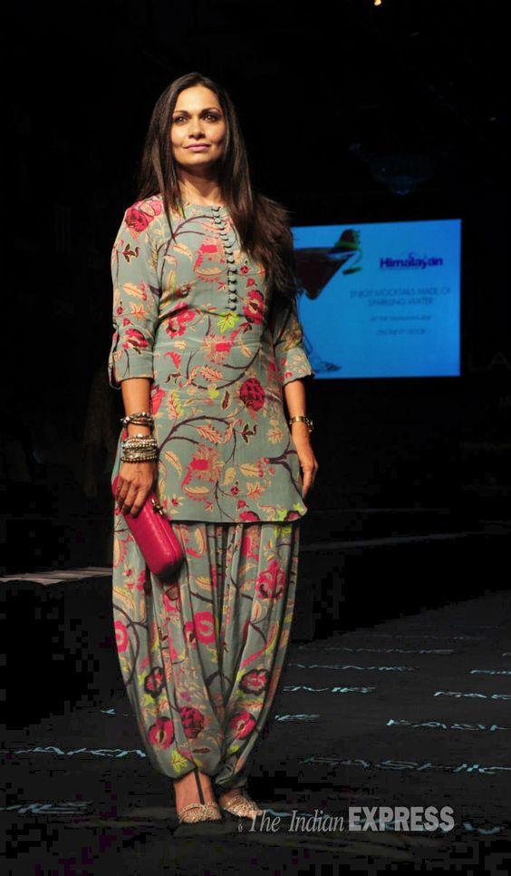 22 part 3 punjabi bhabhi in salwar suit selfie wid moans - 1 2