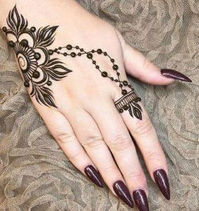 21. Trendy flower back henna design