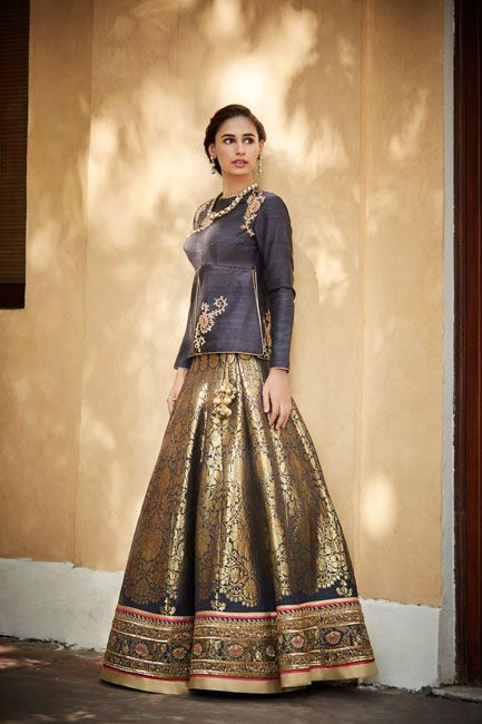 22.Ethnic Lehnga Blouse Design