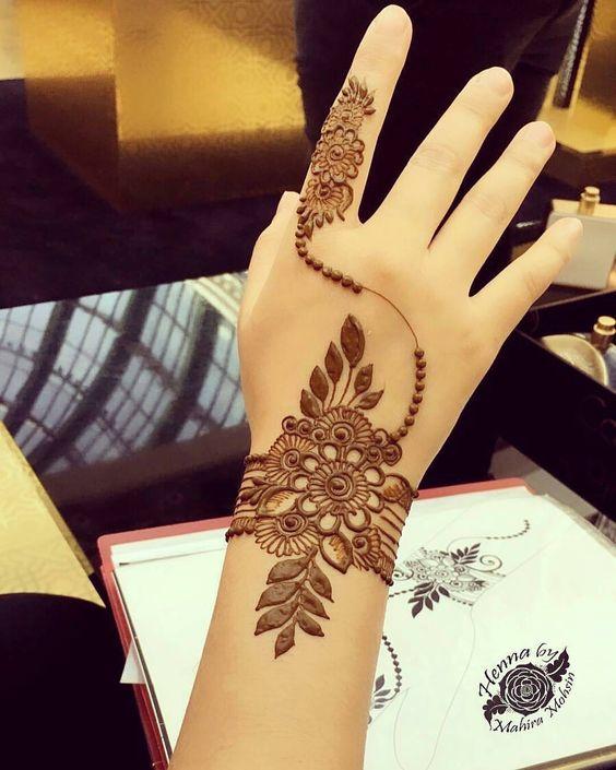 26. Single finger back henna design
