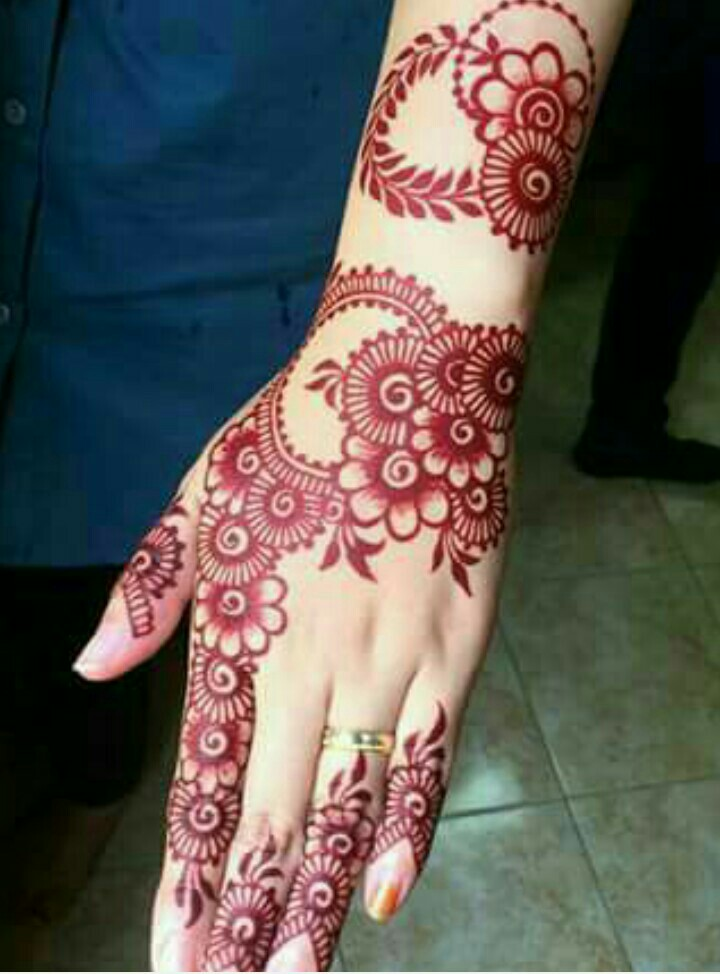 Mehndi Red Henna : Back hand henna designs you should try wedandbeyond