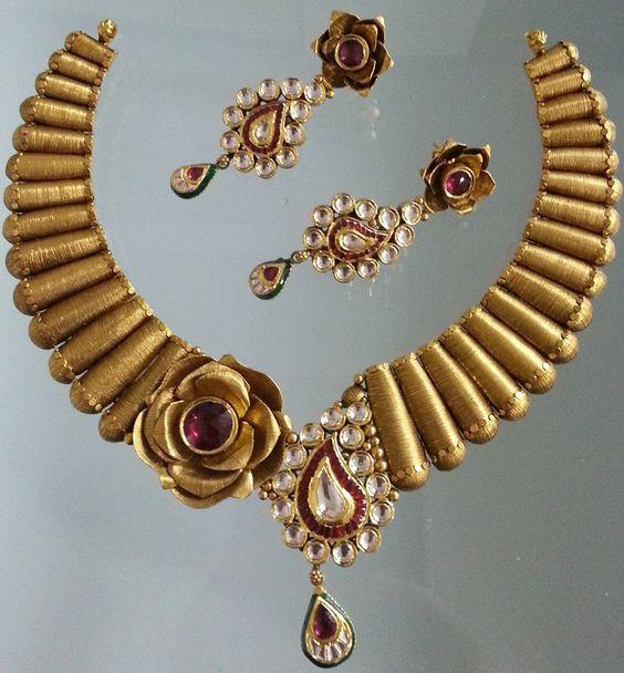6.Kundan Stone with Rose design Neck Jewelry