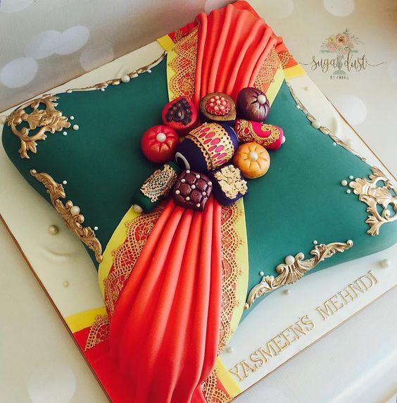 Large pillow cake with the dupatta drape