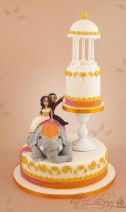 17.Bride Groom in Elephant wedding cake