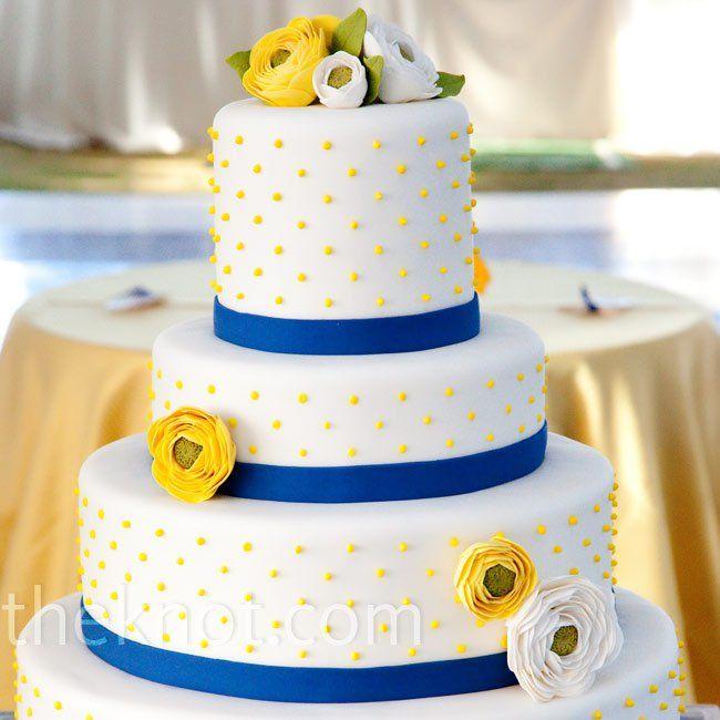 30.Yellow Flower Wedding cake
