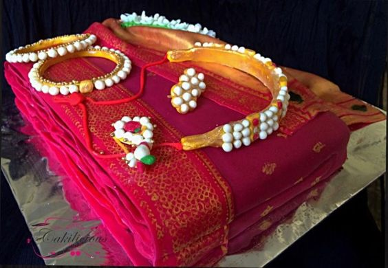 Paisley Mehndi Cake : Eye catching cake ideas for wedding wedandbeyond