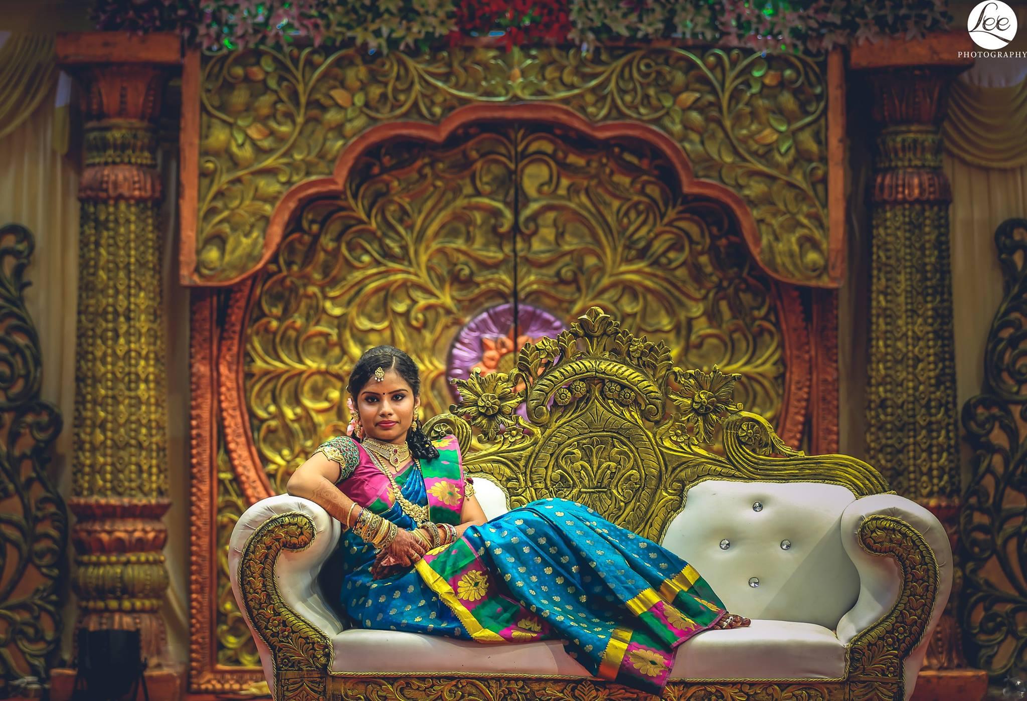 49.Bride in sofa