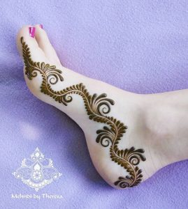 23.Curves and roses Henna for Leg