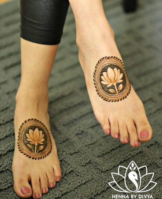 6.Lotus Mehndi