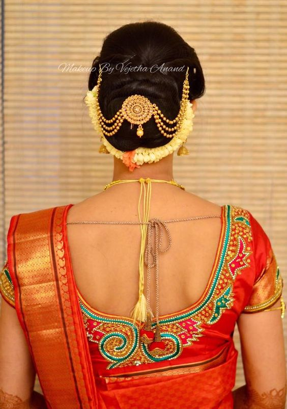 12.Bun Hairstyle with gajra