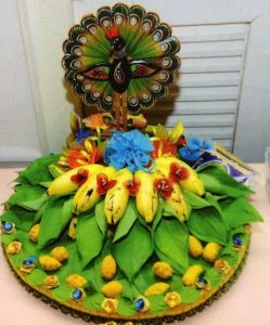 9.Betel leaves with banana decoration
