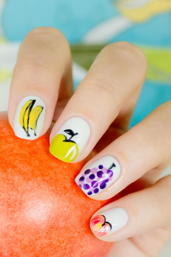 20.Banana apple nail art