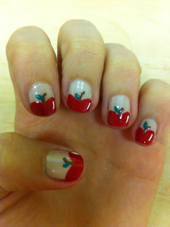 6.Simple Apple Nail art