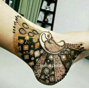 2.Pretty Peacock Leg Mehndi Design