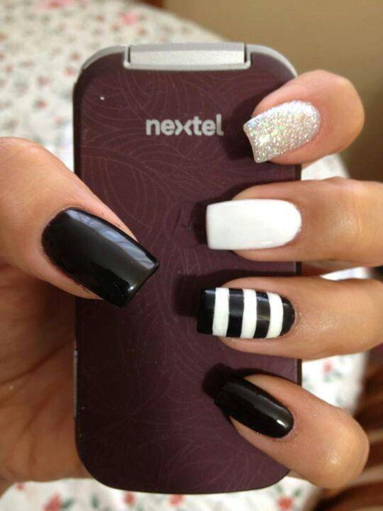 12.Glittering nail art