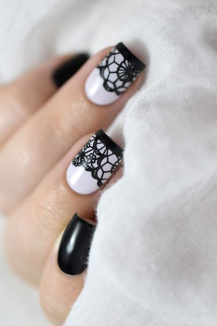 19.Two finger white nail art