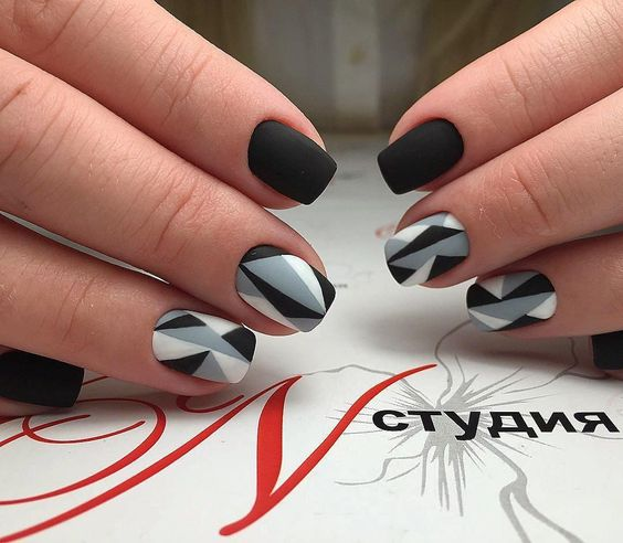3.Beautiful nail art