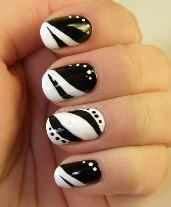 48.pretty black and white nails