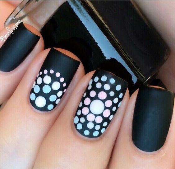 50.Round dotted Black and white nail art