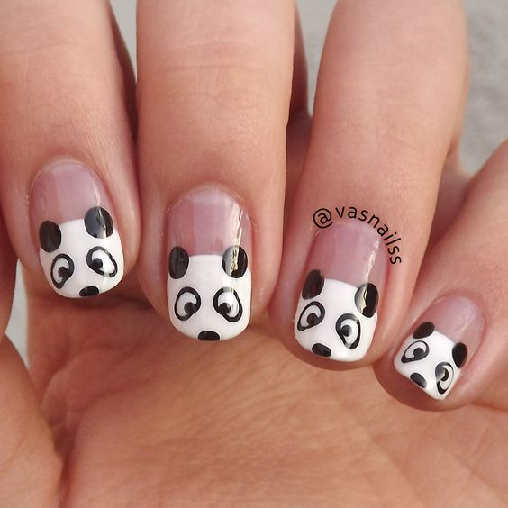 55.Panda black and white nail art
