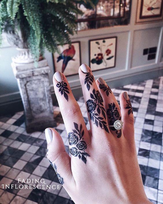 14.Rose Mehndi design #14
