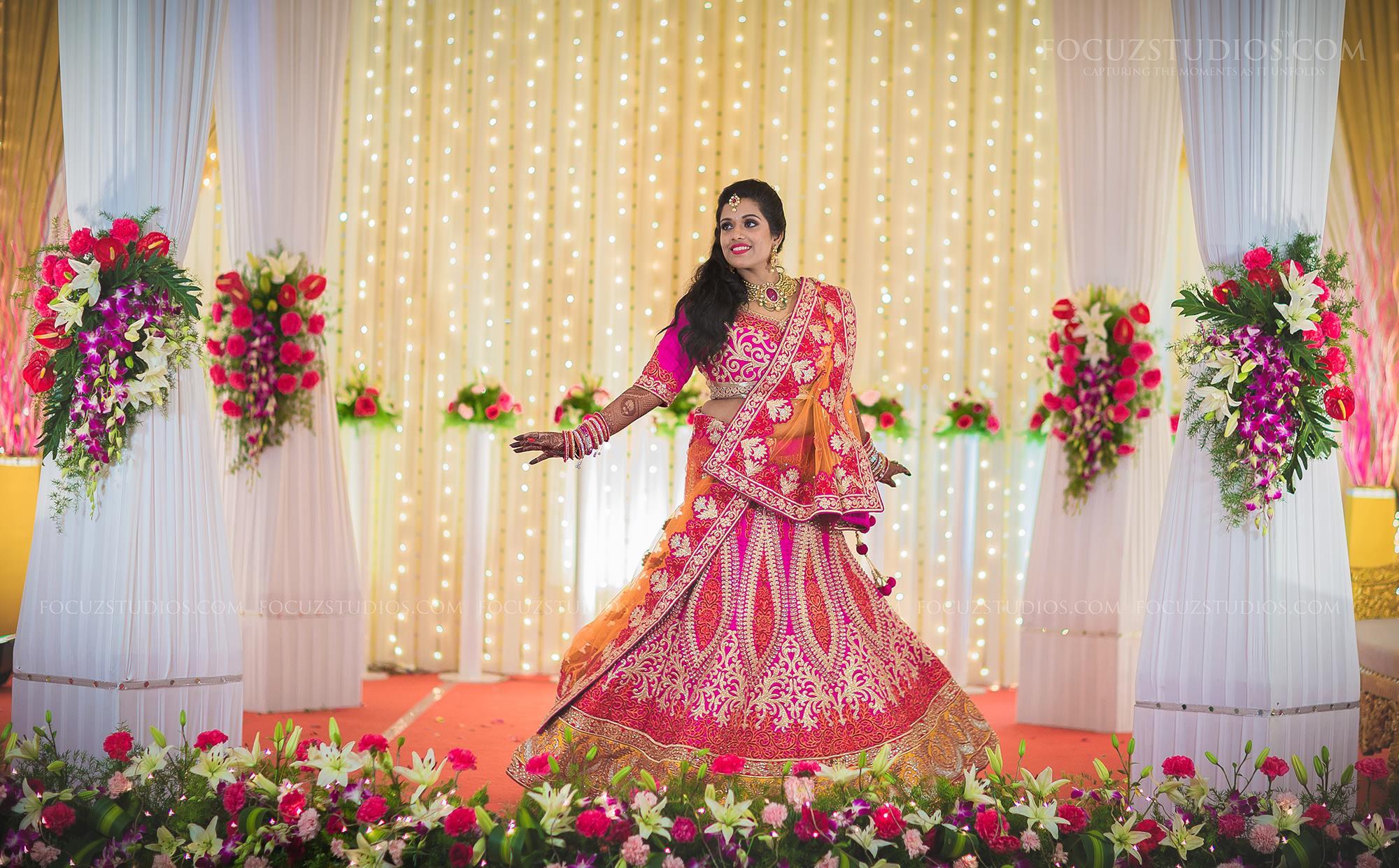 Mehndi Bridal Lehnga : Bridal lehenga designs latest photo