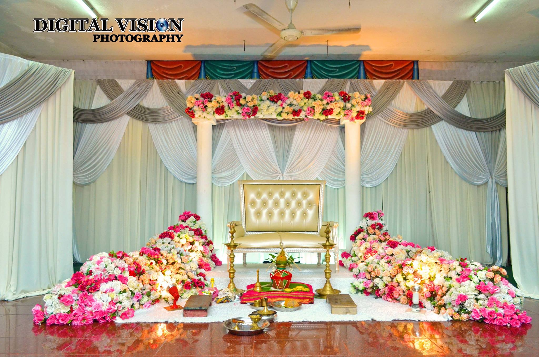 Indian Wedding stage decoration | Wedding stage decoration ...