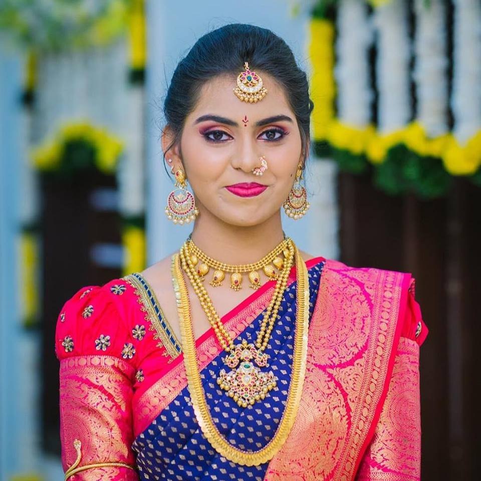 Traditional bridal kasu mallai