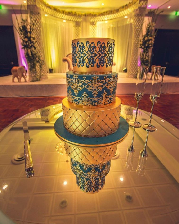 Royal Blue With Golden Henna Wedding Cake Photo Gallery