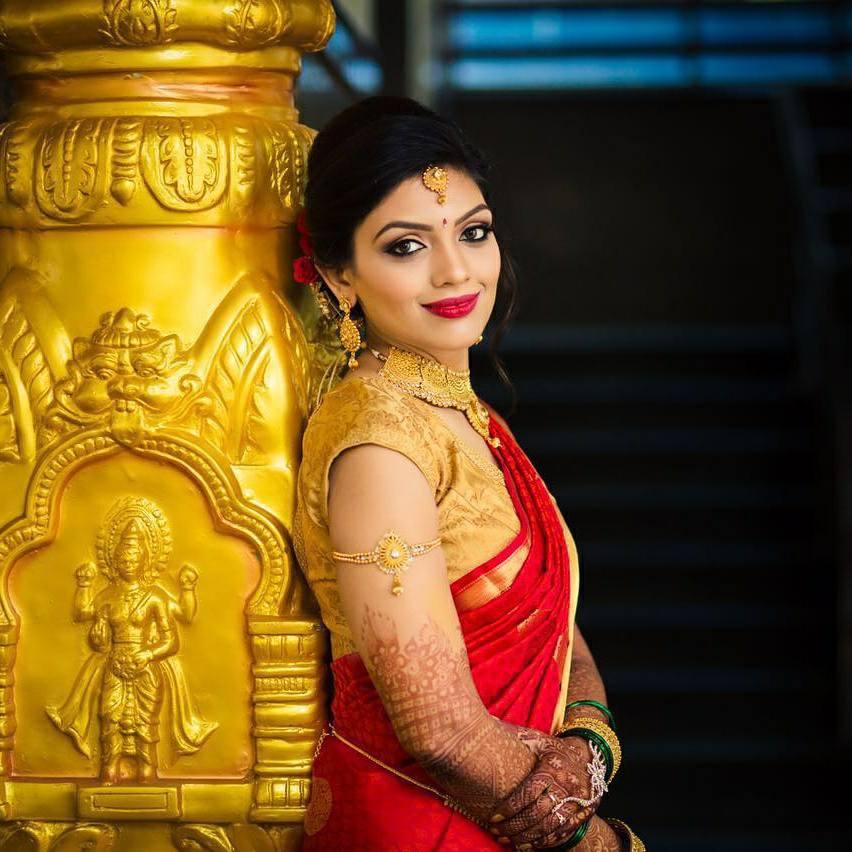 Red saree bride's bridal makeup