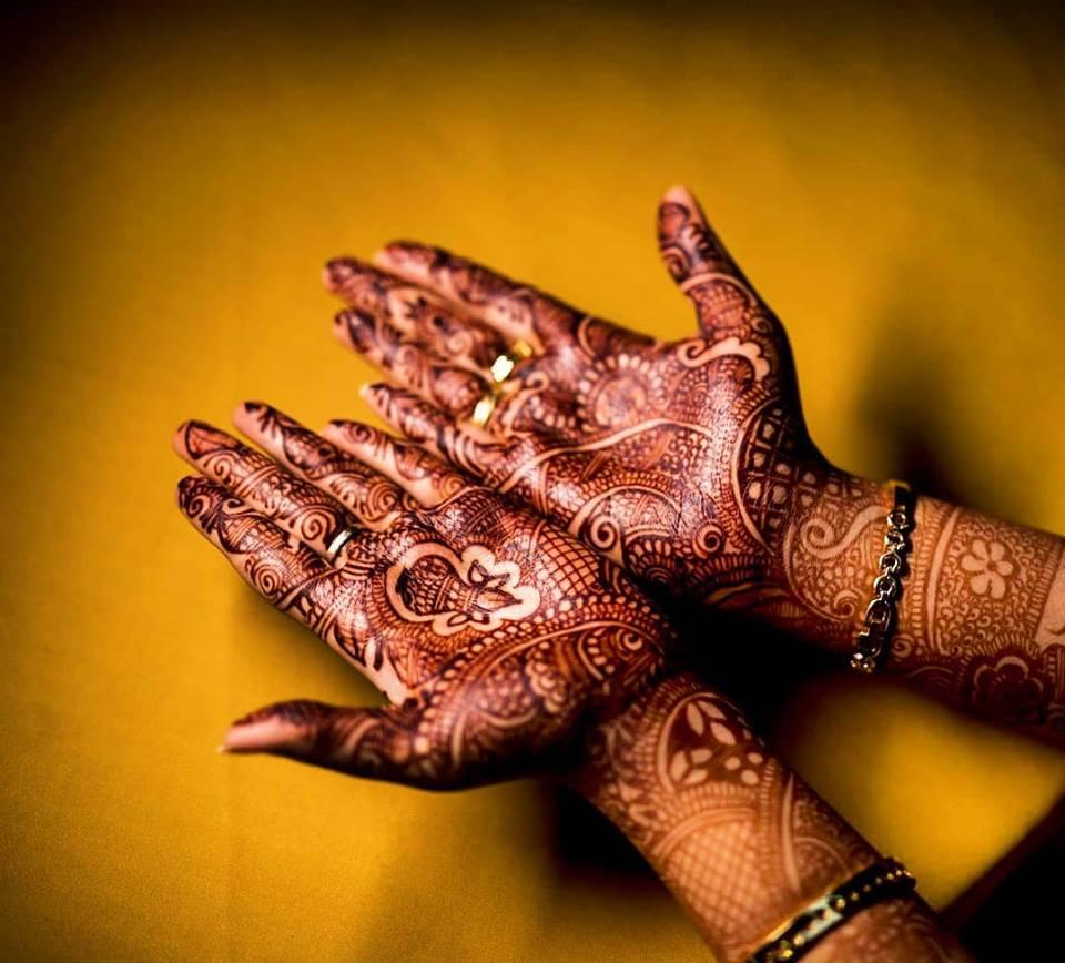 Beautiful kalasam design mehndi