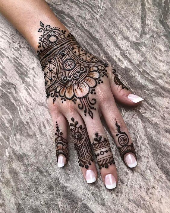 Awesome Arabic Mehndi