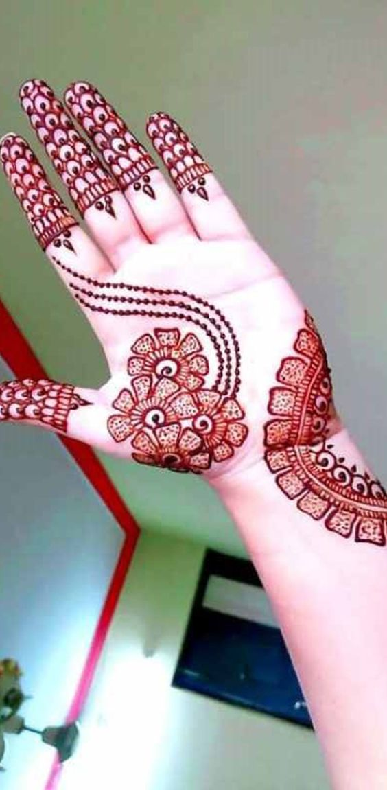 Ravishing Red Mehndi