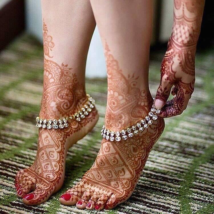 Bridal Mehndi Gallery : Rajestani bridal feet mehndi photo gallery