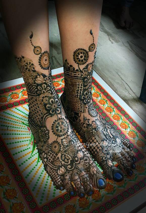 Pretty Henna for Legs