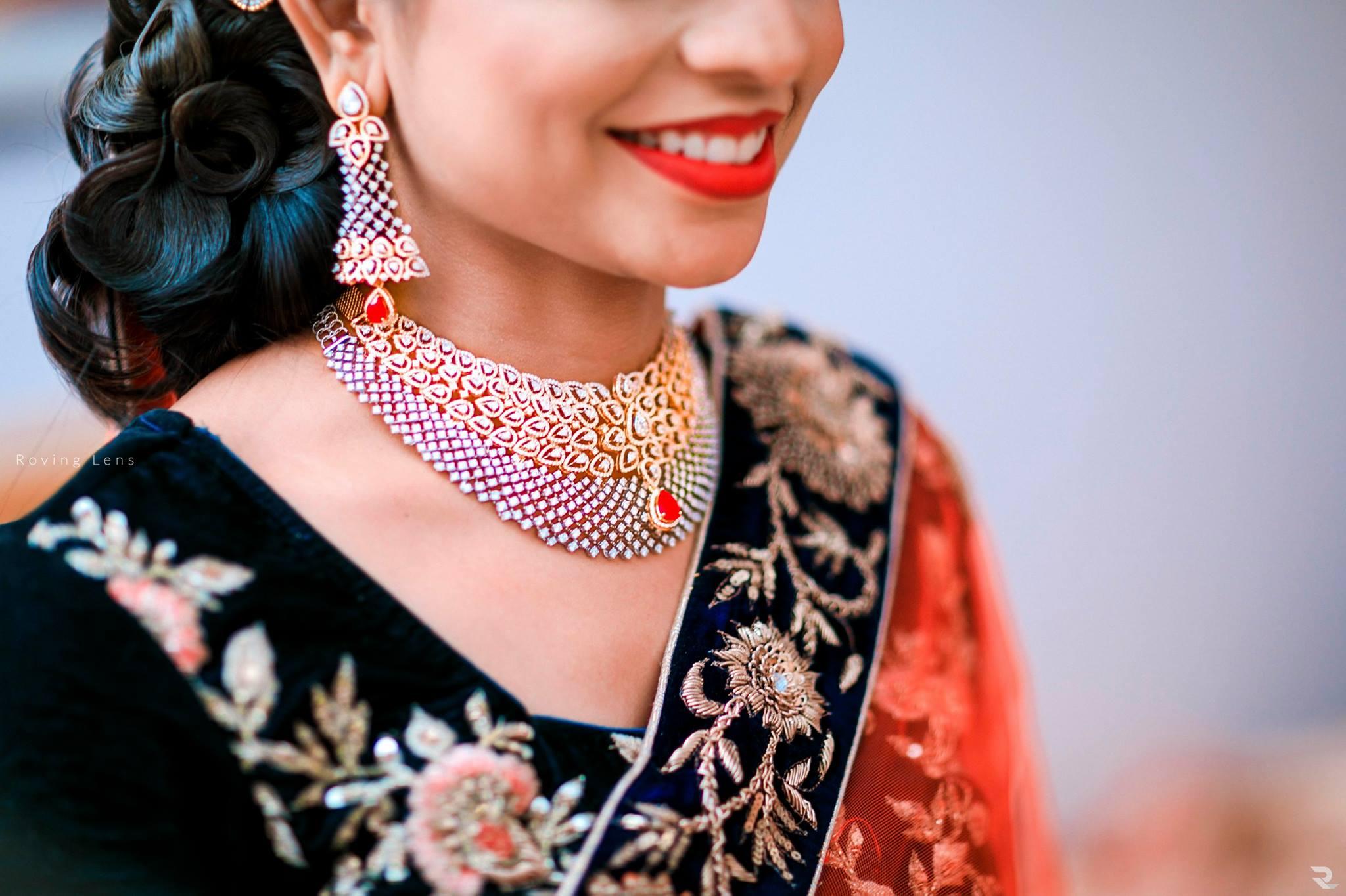 Artistic Diamond Jewelry with Red stone