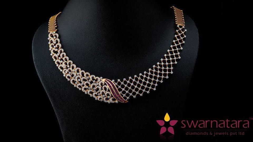 Sparkling Diamond neck jewelry